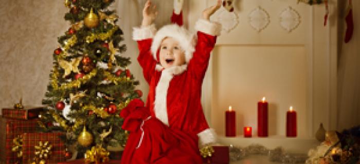 weihnachtslieder-singen-am-tannenbaum